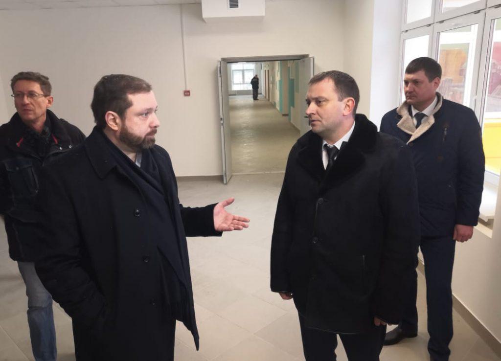 Островский, Наумов, новый корпус 33 школы