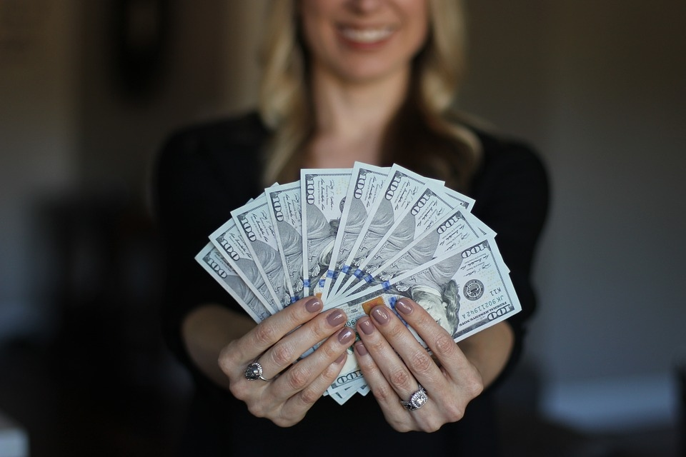 деньги, женщина, обман