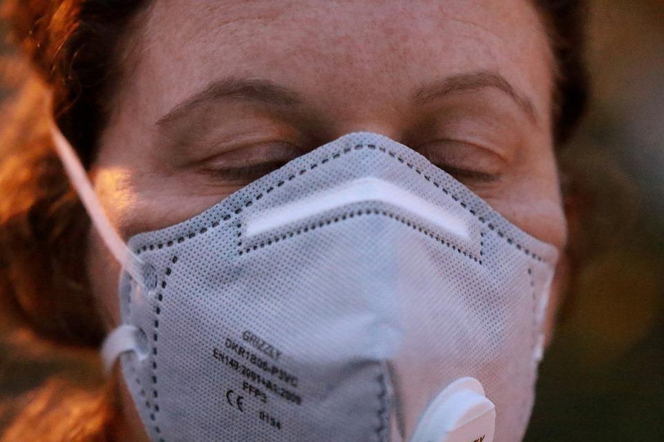 коронавирус, COVID-19, женщина, защитная маска