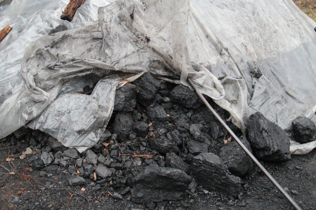 некачественный уголь
