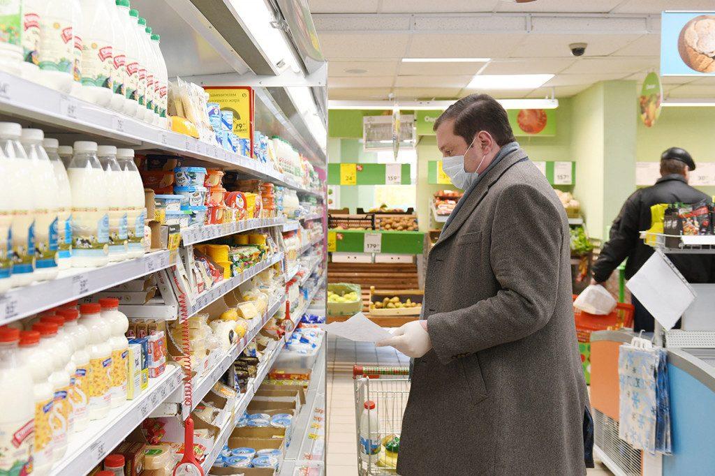 Алексей Островский в магазине