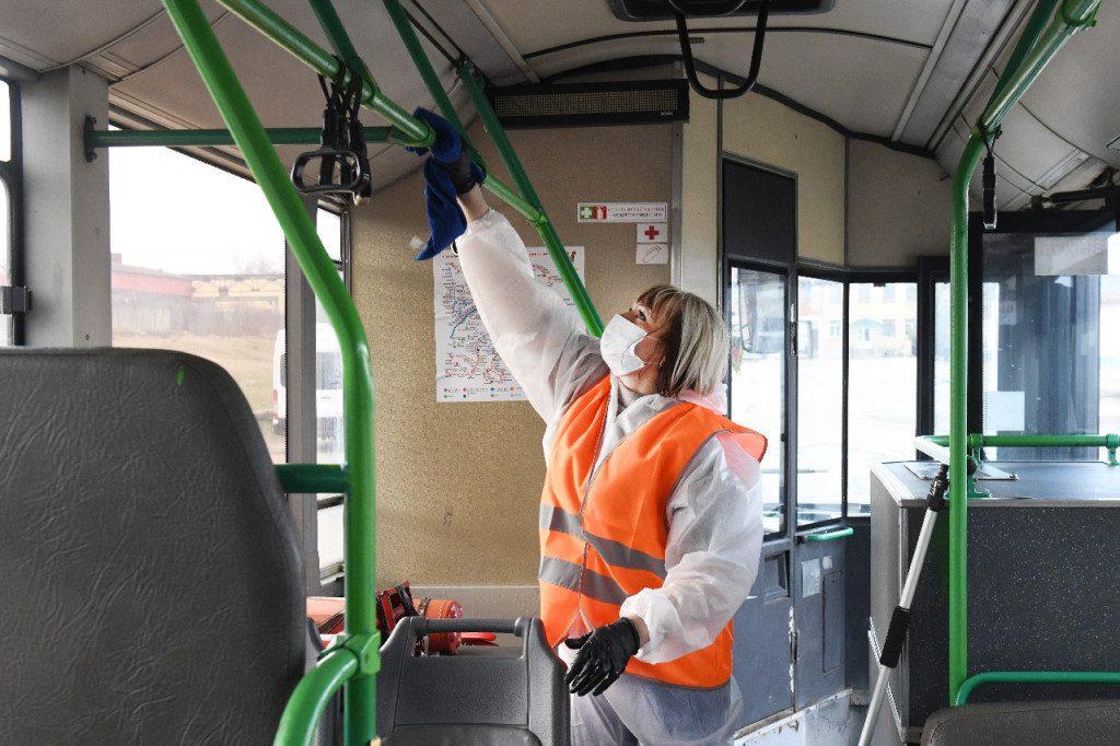 МУП Автоколонна 1308, автобус, дезинфекция, коронавирус (фото admin-smolensk.ru)