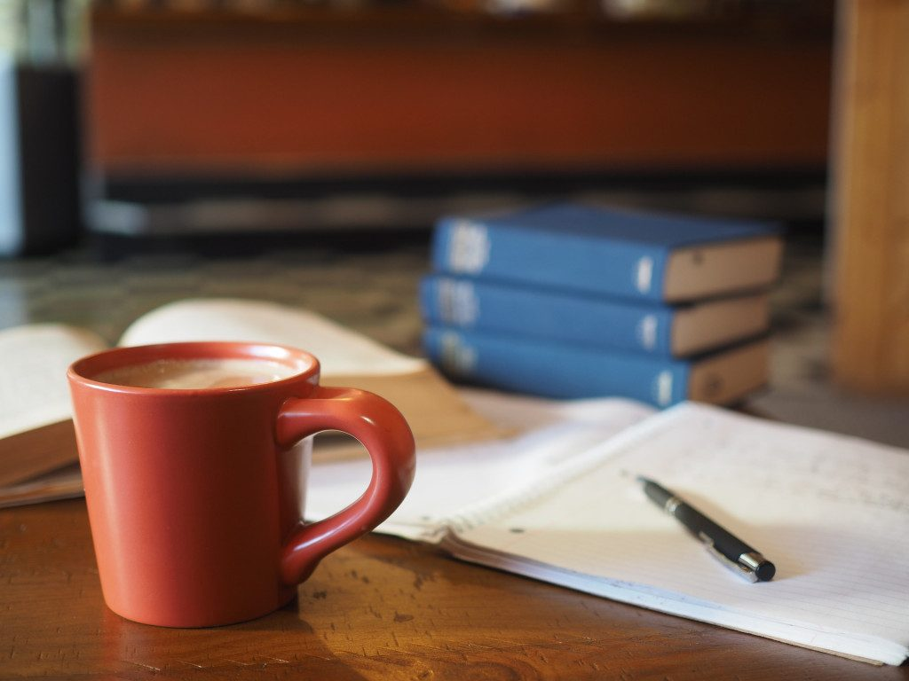 обучение, образование, тетрадь, книги, учебники, кофе, какао