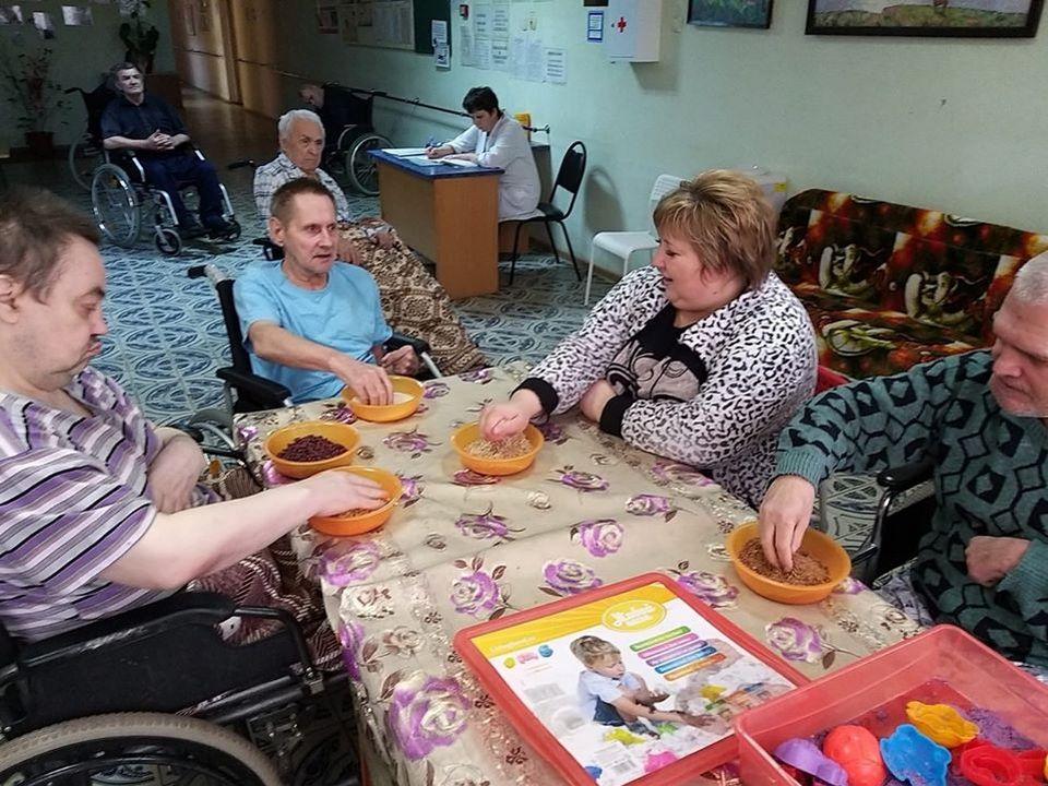 пенсионеры, инвалиды, Вяземский дом-интернат, изоляция, коронавирус (фото facebook.com profile.php id=1428827422)