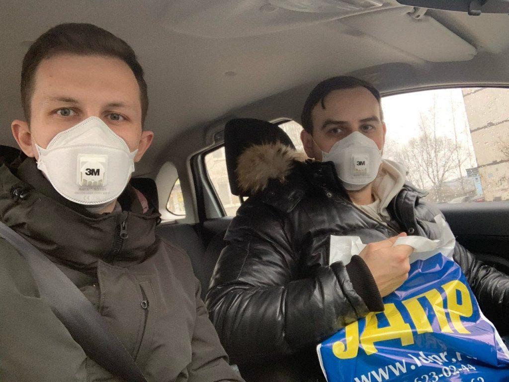 Владислав Ульянов, волонтёры, помощь, самоизоляция, коронавирус (фото РО ЛДПР по Смоленской области)