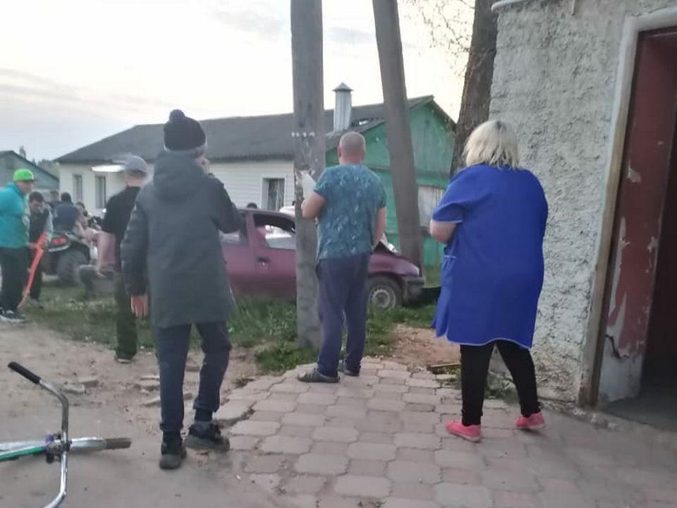 ДТП 11.05.2020, Холм-Жирковский, СХТ, бетонный столб (фото vk.com id248990885)
