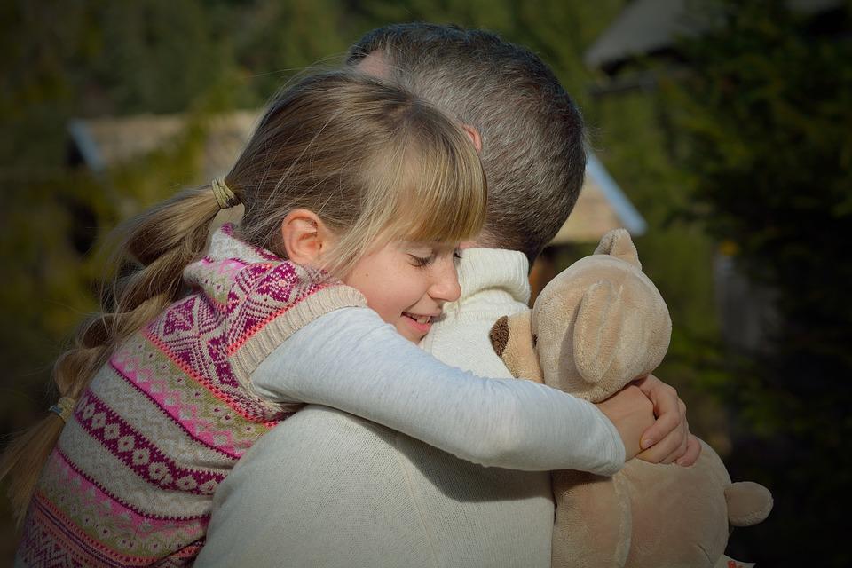 папин день дети отец игрушка счастье