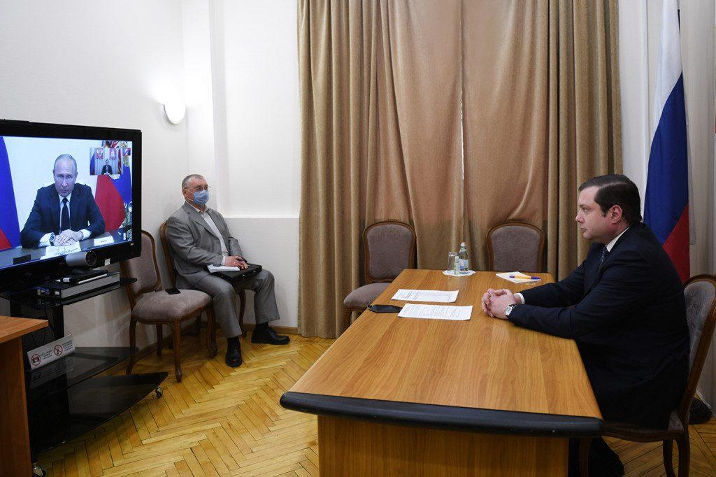 Путин, Островский, видеоселектор (фото admin-smolensk.ru)