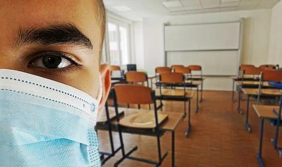 школа карантин коронавирус маска школьник