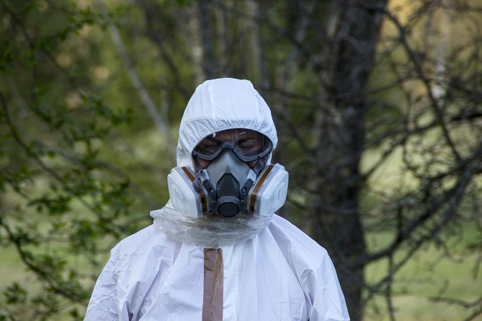 защитный костюм коронавирус