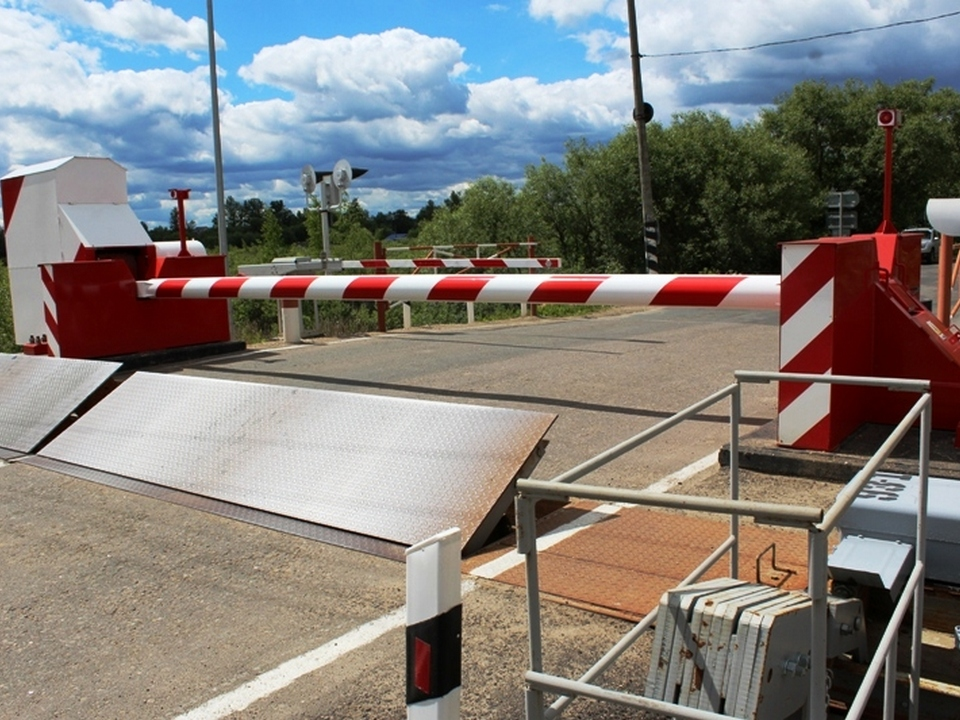 железнодорожный переезд, закрытие (фото пресс-службы смоленского отделения МЖД)