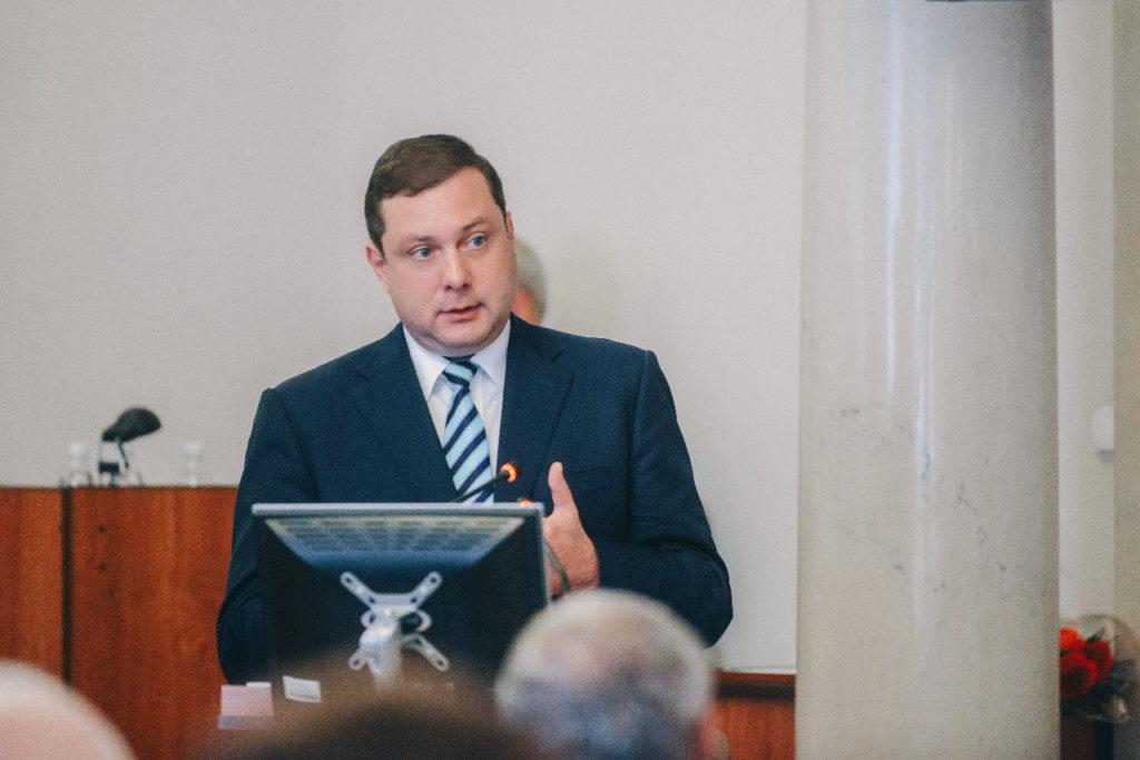 Алексей Островский, выступление 30.05.2019 в облдуме (фото admin-smolensk.ru)
