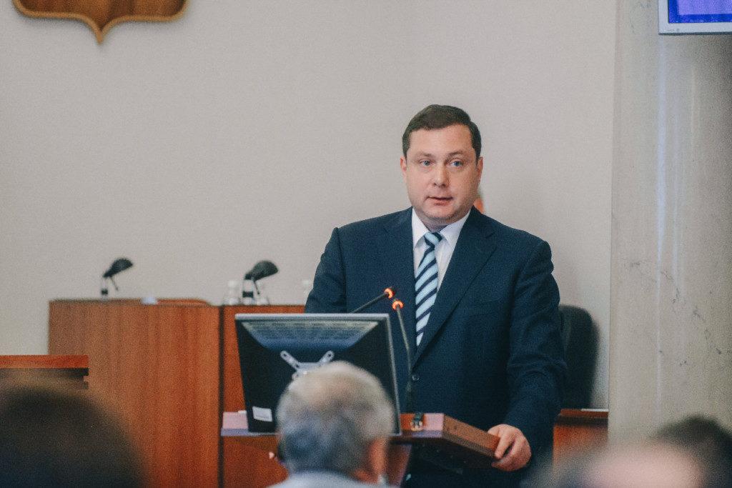 Алексей Островский, выступление в облдуме 30.05.2019 (фото admin-smolensk.ru)