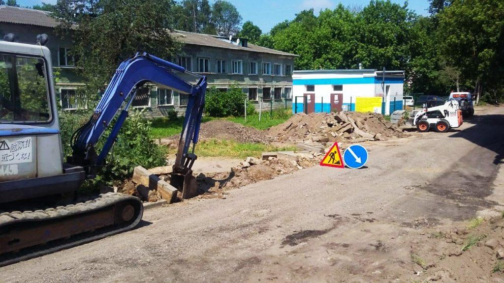 В Смоленске начались работы по благоустройству дворов