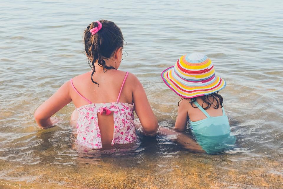 дети купаются лето вода отдых