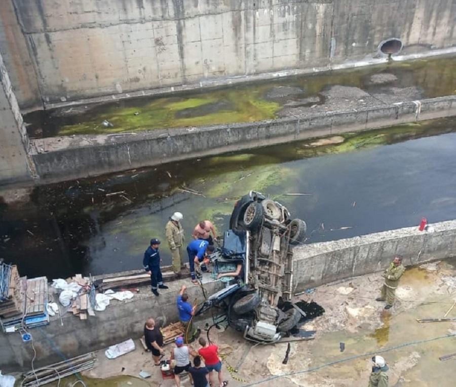 В ГИБДД рассказали подробности смертельного ДТП на реке Десне под Смоленском