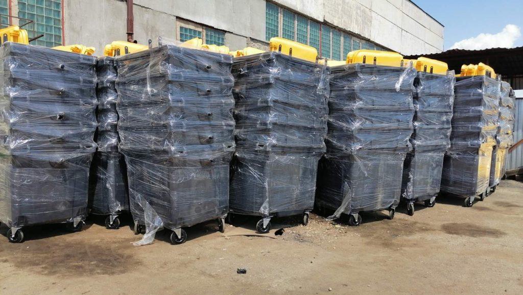 В Смоленской области установят еще 200 новых контейнеров для мусора