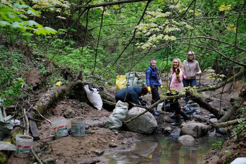 овраг, очистка, уборка мусора, ликвидация свалки, Рачевка, Чёртов мост (фото vk.com o.fomkin)