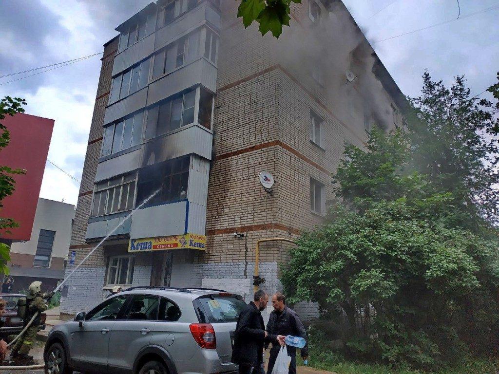 pozhar-14.06.2020-kvartira-pyatietazhka-ulicza-sentyabrya-foto-67.mchs_.gov-2
