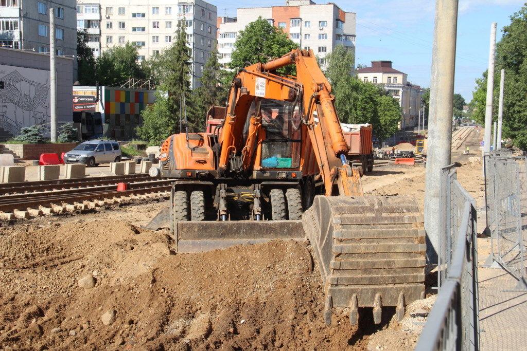 реконструкция улицы Николаева 24.06.2020, экскаватор