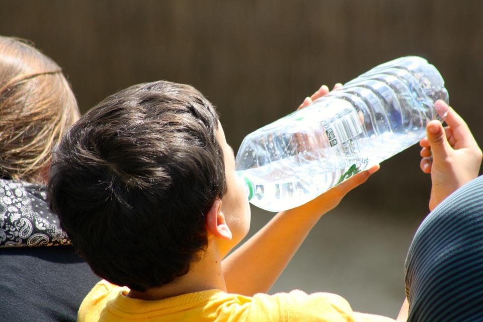вода пить воду жара лето