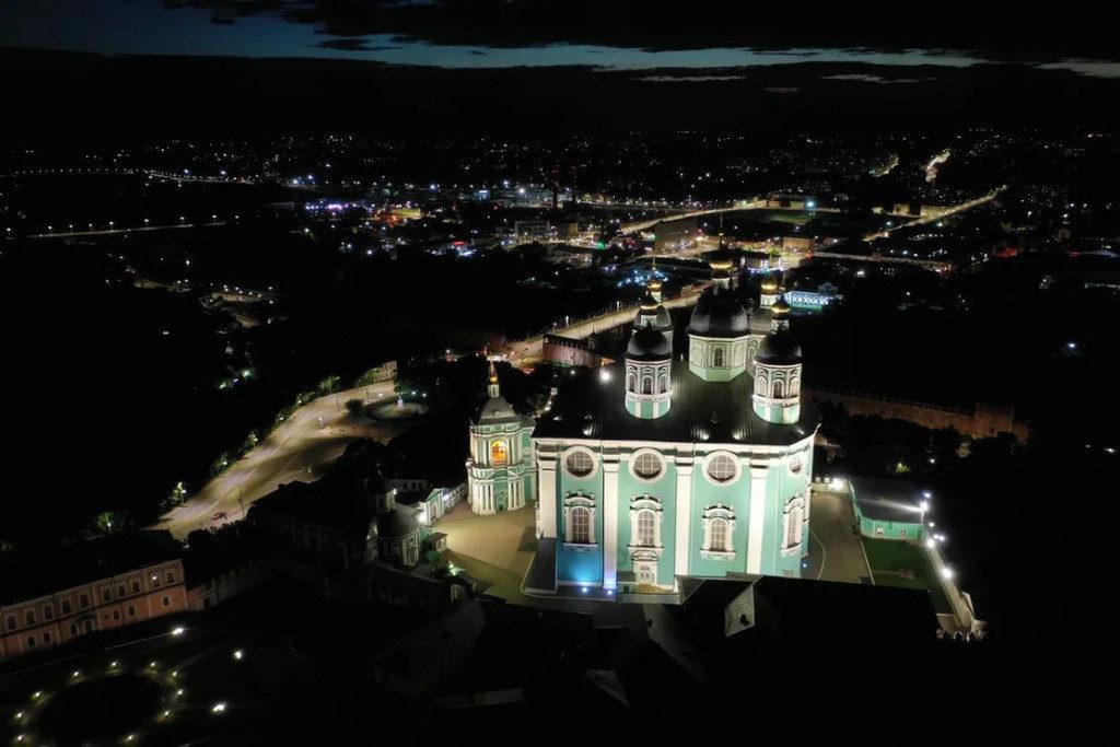 светодиодное освещение Успенского собора_1 (фото «Световые Технологии ЭСКО»)