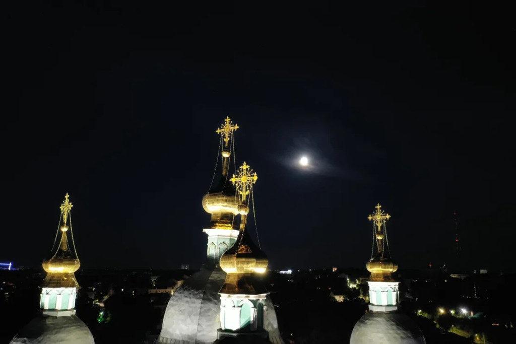 светодиодное освещение Успенского собора_3 (фото «Световые Технологии ЭСКО»)