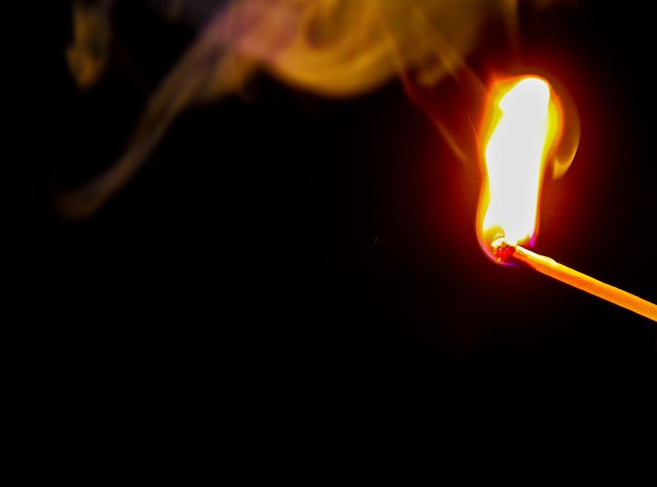 пожог спичка пожар