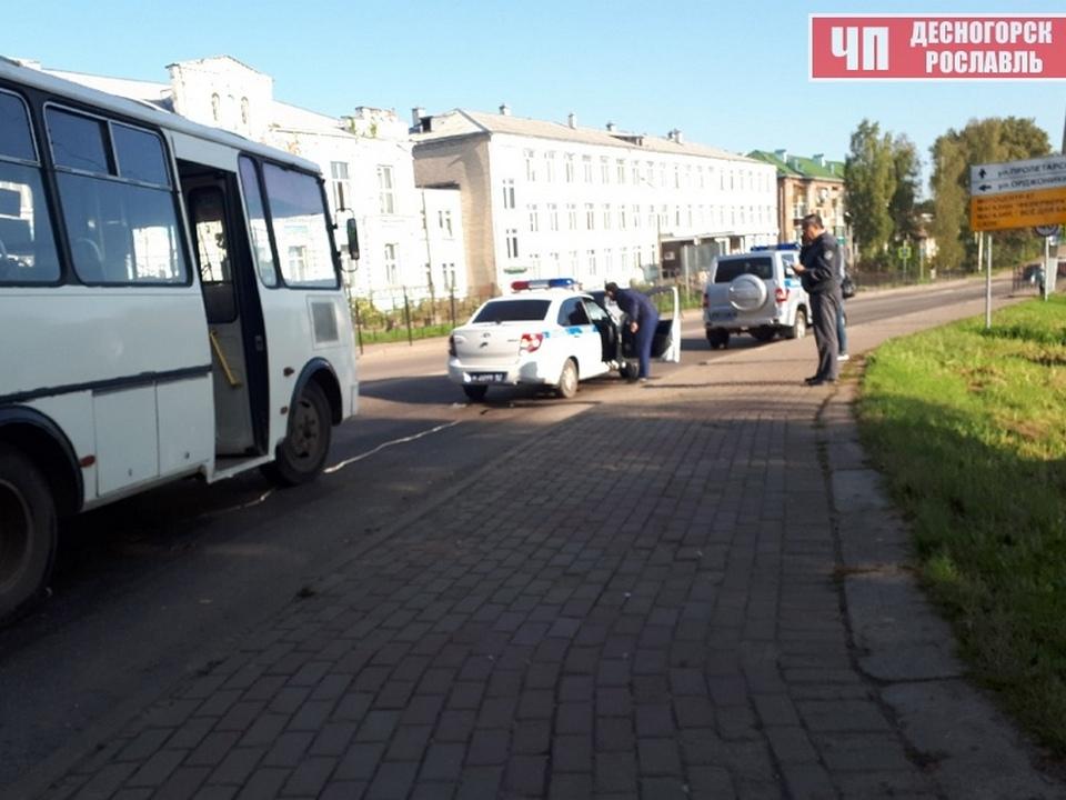 наезд на пешехода 23.09.2020, Рославль, Пролетарская, ПАЗ (фото vk.com shock_des_ros)