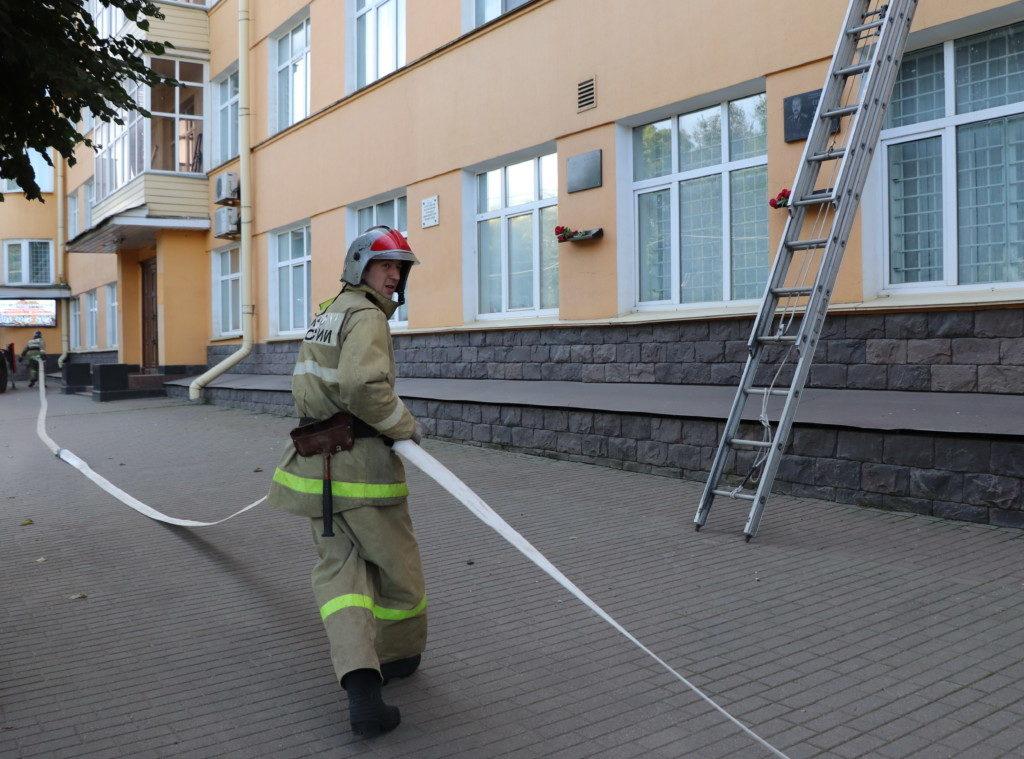пожарные учения 24.09.2020, управление МВД, Дзержинского, 13 (фото 67.mchs.gov.ru)