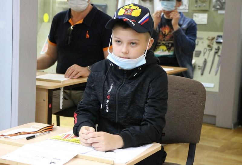 третьеклассник Саша Диктант Победы