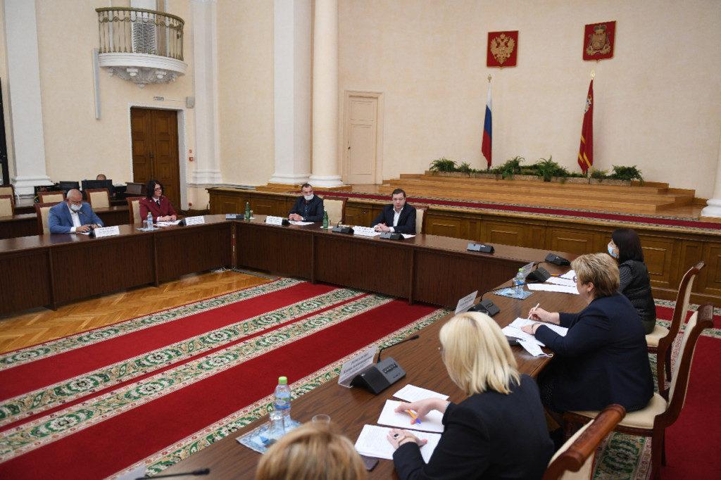 заседание санитарно-эпидемиологической комиссии при администрации Смоленской области (фото admin-smolensk.ru)