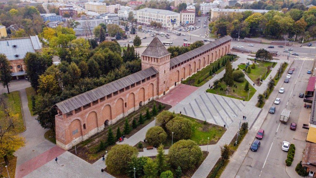 Парк пионеров, реконструкция 2020 года, крепостная стена (фото vk.com official_smolensk)