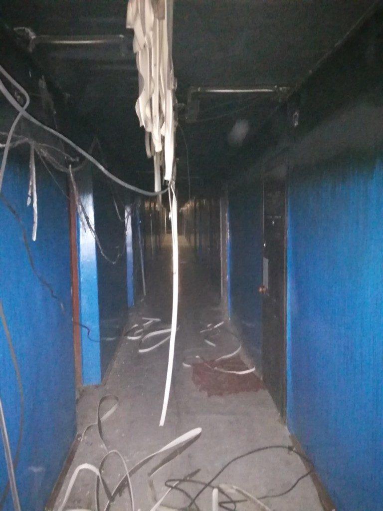 пожар 14.10.2020, Верхнеднепровский, улица Комсомольская, коридор (фото 67.mchs.gov.ru)