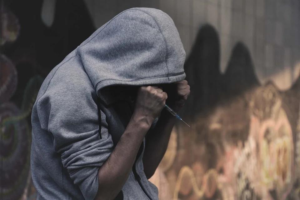 шприц наркотики наркоман