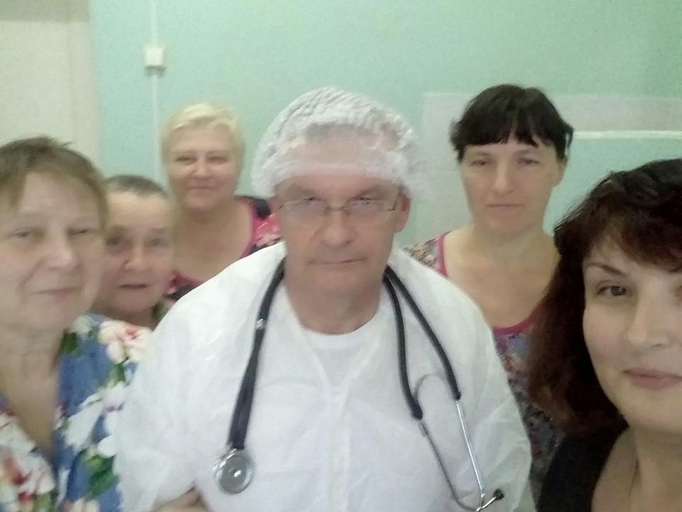 paczienty-palaty-№4-koronavirusnogo-gospitalya-roslavlskoj-czrb-lechashhij-vrach-matalygin-i.a.-foto-vk.com-roslavl_dobro.novosti