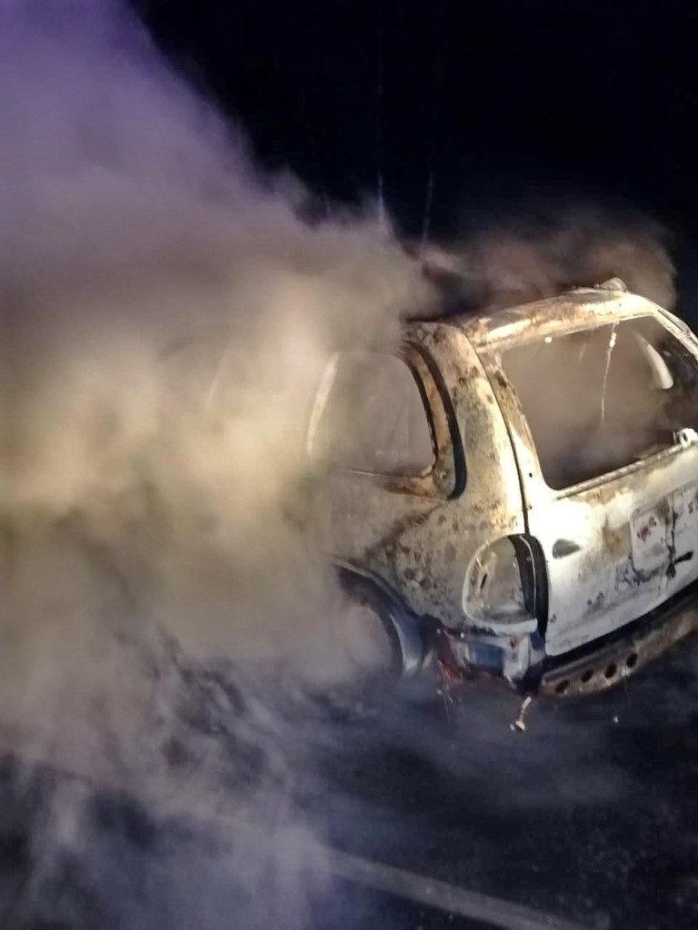 пожар 1.11.2020, Dodge Caravan, Сафоновский район (фото 67.mchs.gov (1)