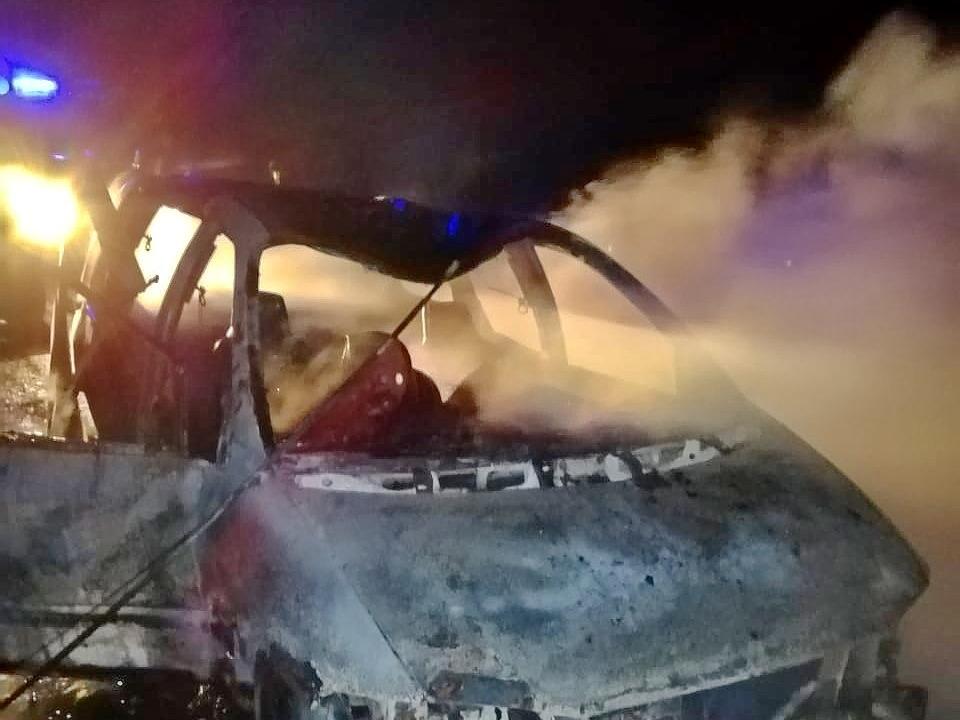 пожар 1.11.2020, Dodge Caravan, Сафоновский район (фото 67.mchs.gov (4)