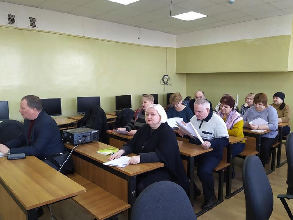 центр занятости населения, переобучение, предпенсионеры (фото admin-smolensk.ru)