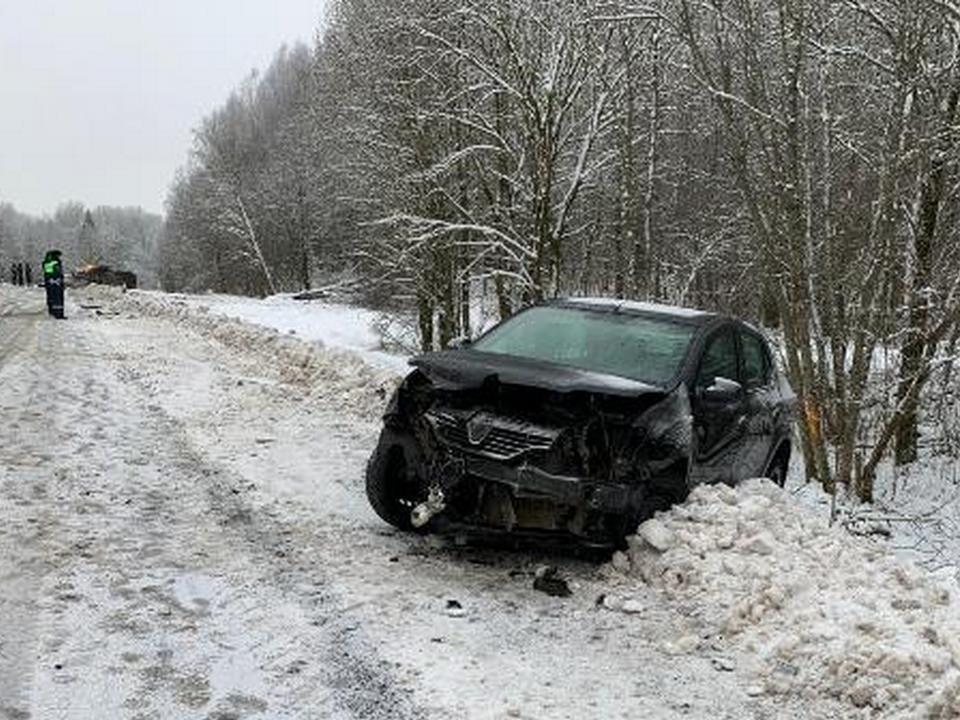 ДТП 2.12.2020, 164 км Вязьма – Смоленск, Renault Logan, ВАЗ Бронто 212140 (фото гибдд.рф)