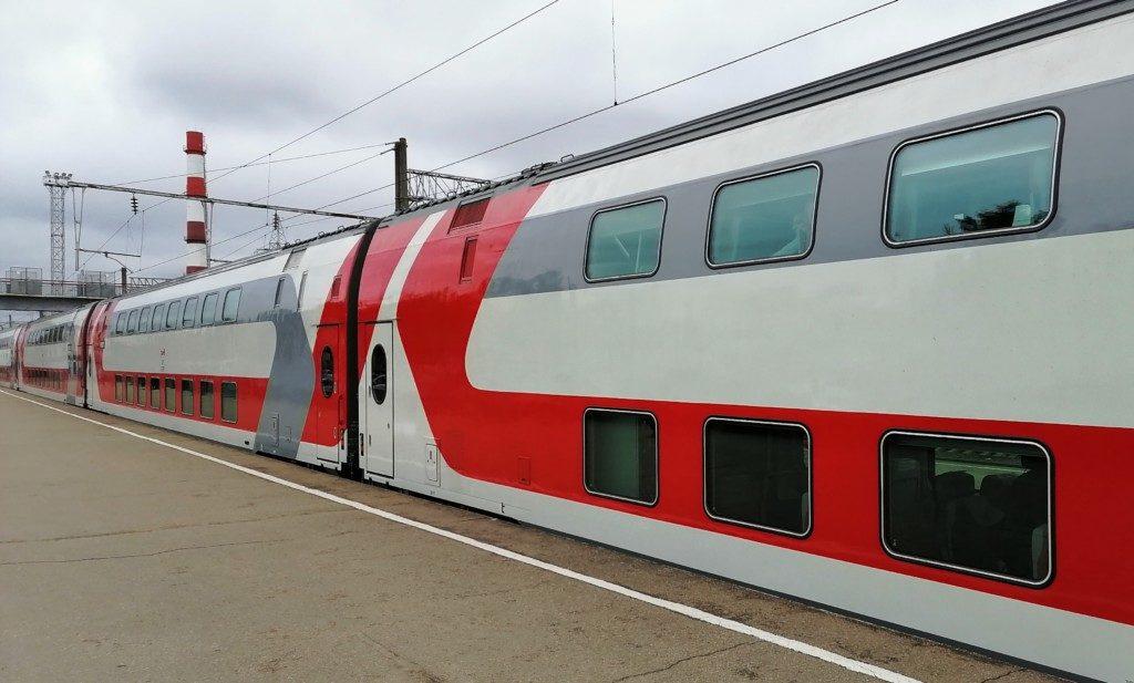 двухэтажный поезд Смоленск - Москва (фото пресс-службы смоленского отделения МЖД)