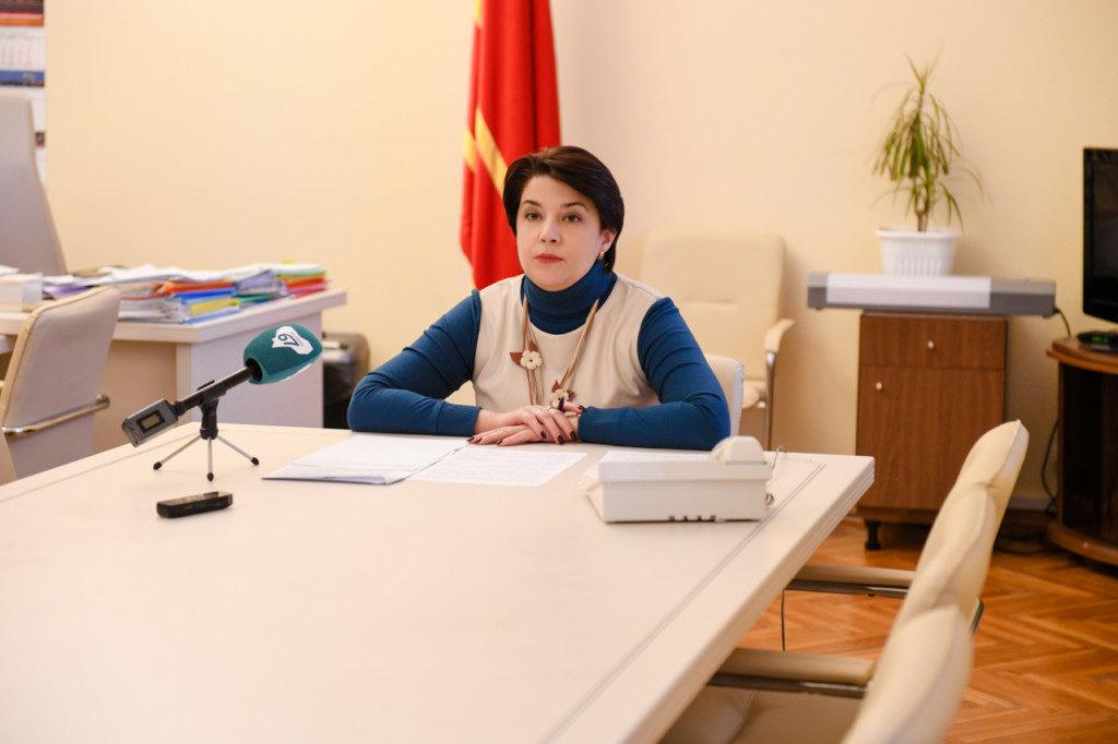 Полина Хомайко, выплаты (фото admin-smolensk.ru)