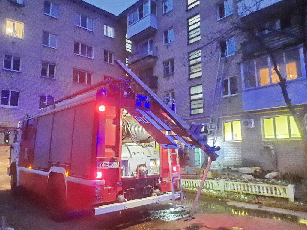 смертельный пожар 3.12.2020, Октябрьской революции, 32, квартира_1 (фото 67.mchs.gov.ru)