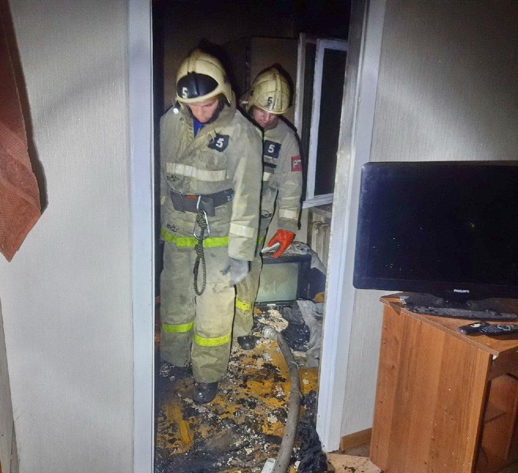 смертельный пожар 3.12.2020, Октябрьской революции, 32, квартира_4 (фото 67.mchs.gov.ru)