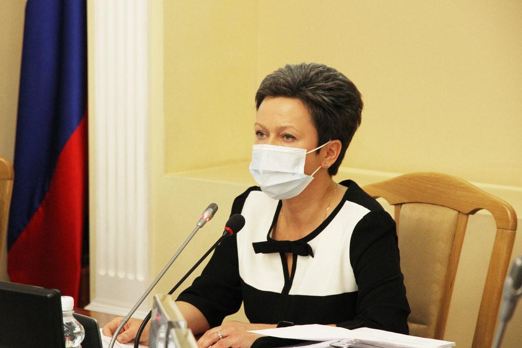 Виктория Макарова, пятая внеочередная сессия 15.12.2020 горсовета Смоленска, фото пресс-службы