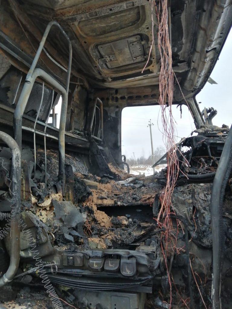 возгорание 18.12.2020 самосвала Volvo в Ельне, песок, асфальтовый завод_2 (фото 67.mchs.gov.ru)
