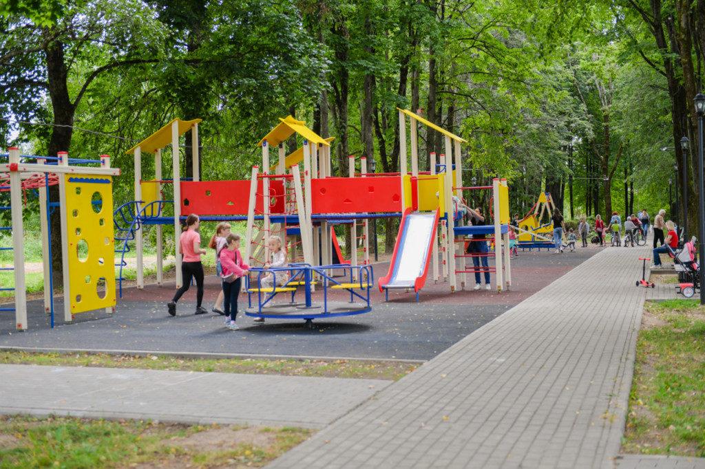 детская площадка, благоустройство, Формирование комфортной городской среды (фото admin-smolensk.ru)