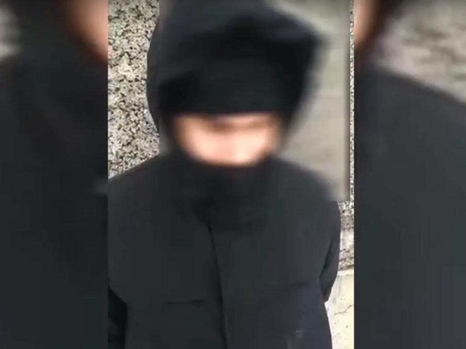 допрос в Смоленском районе 26-летнего наркодилера из Москвы (кадр видео 67.mvd.ru)