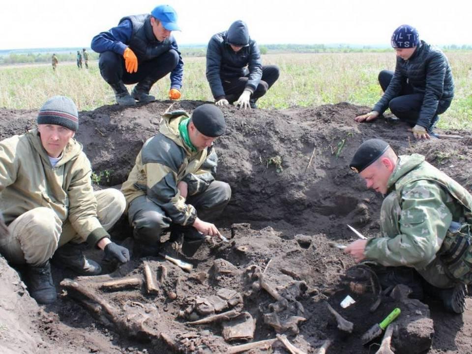 российско-французская археологическая экспедиция под Вязьмой (фото m24.ru)