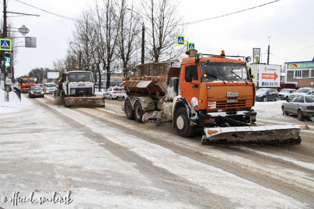 uborka-snega-14.01.2021-ulicza-babushkina-speczavto-foto-smoladmin.ru_